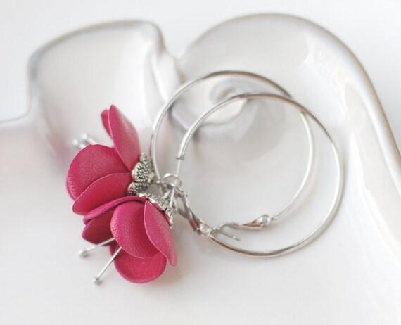Modern style leather earrings in pink