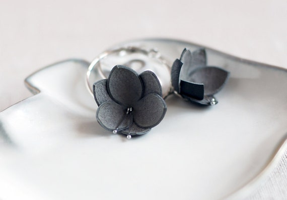 Modern style leather earrings in grey