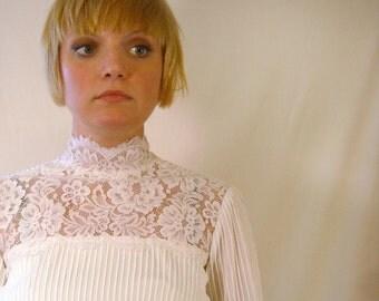 Boho Wedding Dress // Vintage 1970s Bridal Gown // House of Bianchi // Vintage Lace Wedding Dress