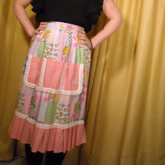 TEN DOLLAR Sale // Deadstock Vintage 1970s Patchwork Apron With Lace and Ruffle