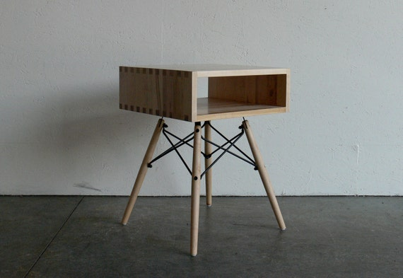 Mid Century Modern Inspired Maple Box Joint Side Table W/ Dowel Legs