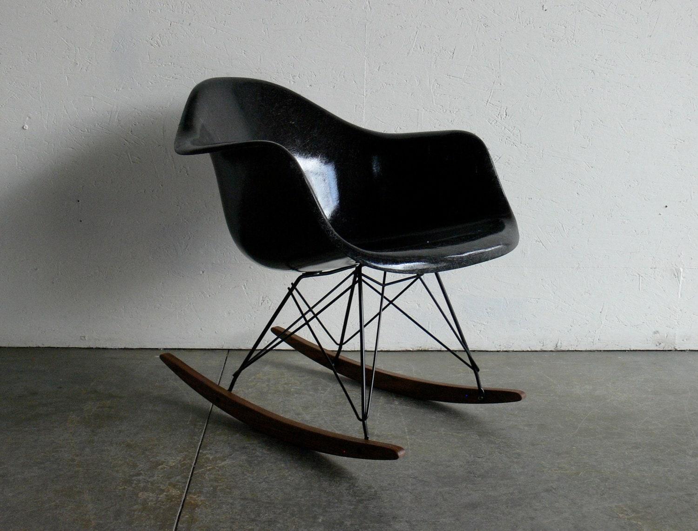 eames for herman miller fiberglass arm chair rocker rar. Black Bedroom Furniture Sets. Home Design Ideas