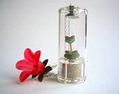 Pet tree plant necklace Nymph's tulip