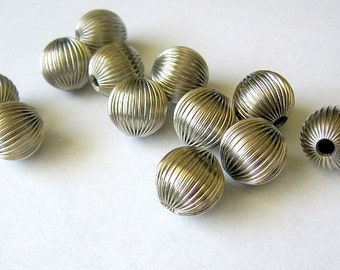 Silver Plated 16 mm Filigree Round Bead Spacers