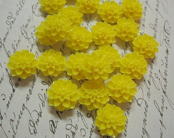 Resin Cabochon Yellow  Flowers 10