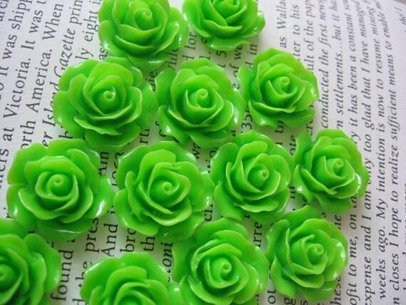 Green Resin Flower Cabochon 18mm