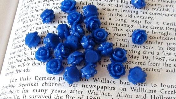 Dark Blue Resin 9mm Flower Shaped BEADS - Set of 8