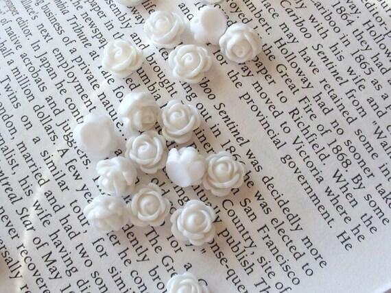 White Resin 9mm Flower Shaped BEADS - Set of 8