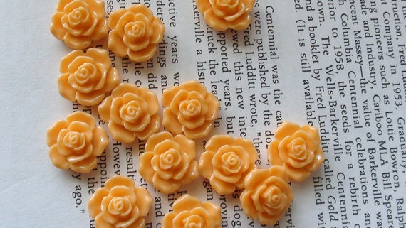 Pale Orange Resin Flower Cabochon 16mm