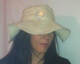 Sunhat for Women in Creamy Linen