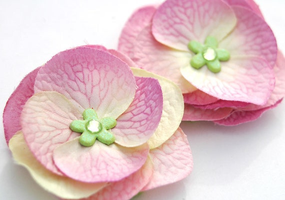 Pink Flower Clip, Pale Violet Pink PAIR Clips with Green