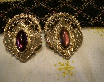 BEAUtIFUL PURpLE EARRINGS WItH GoLD FILIGREE