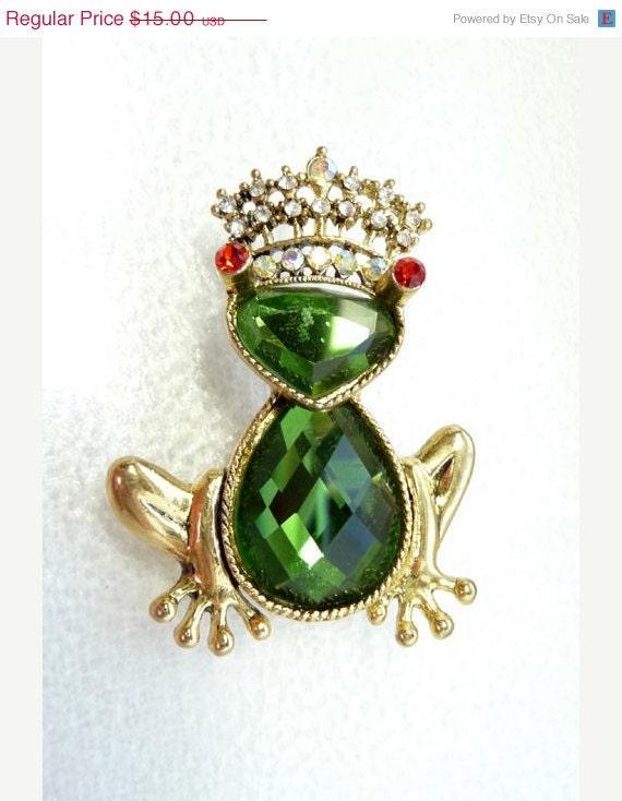 Vintage Frog Brooch - Rhinestone Frog w Crown