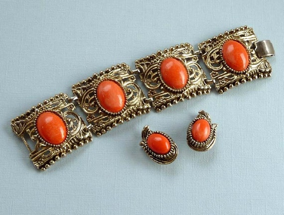 ON SALE Chunky Coral Orange Chunky Bracelet and Earrings 1950s 1960s