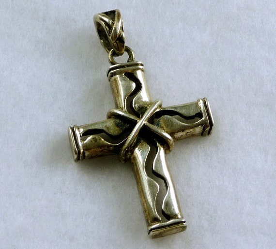 925 Sterling Cross Pendant -  Mexican Silver