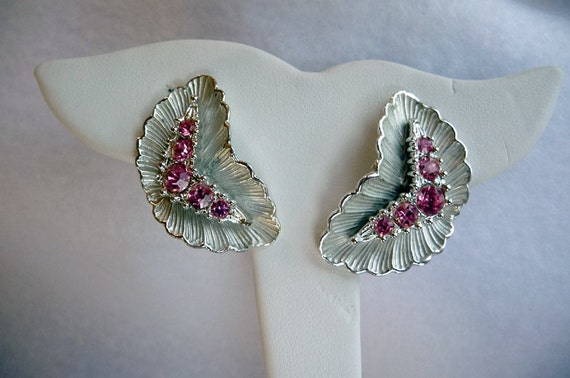 BSK Pink & Silver Tone Earrings - clip on Chevrons