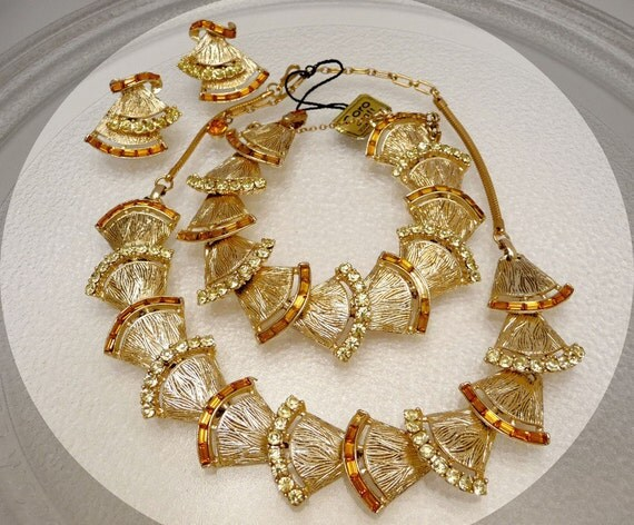 Signed Coro Summer Yellow Fan Necklace Earrings & Bracelet Parure Set with hang tag