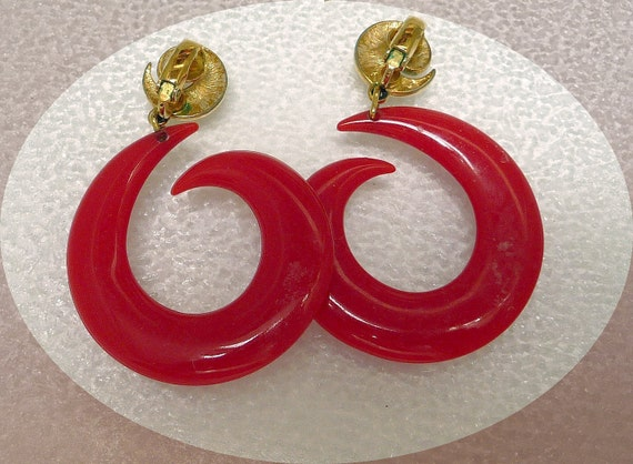 Laugh-in Style 1960's Psychedelic Lucite Earrings