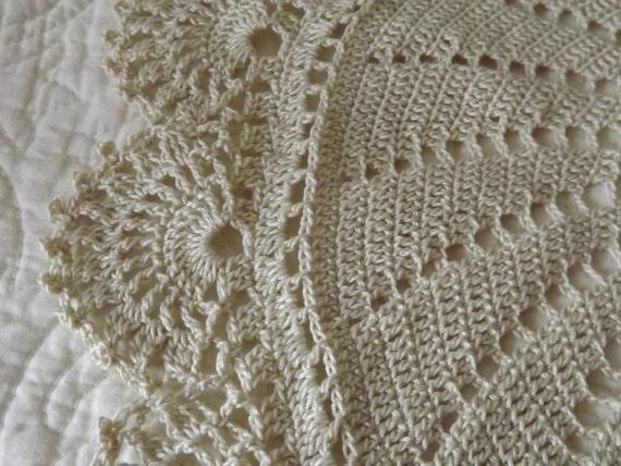 Creme Crocheted Round Doily Centerpiece