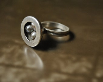 Pool o' Pearls- Modern Silver Ring & Cone of Natural Pearls- sml 5.5- 6