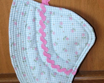 Sunbonnet Sue Potholder Mug Rug - Quilted RetroTurquiose and White Check Pink Flowers