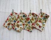 Vintage / Floral Napkins / Set of 4