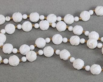 1983 Avon Bermuda Necklace in the Box, Summer necklace White and gold, Apre accessory, Collectible Avon jewelry Slip over the head no clasp