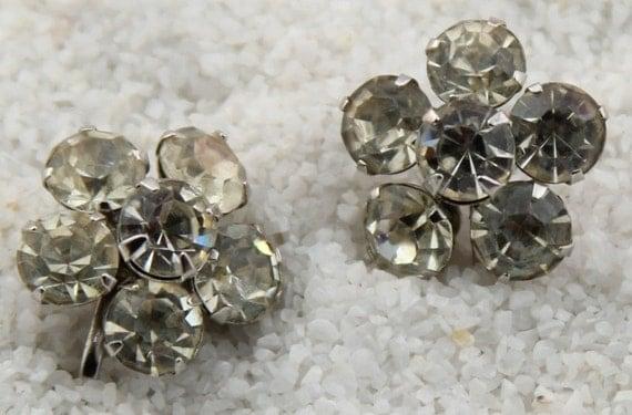 1950's  Round Flower shaped Rhinestone Earrings Screw type Silvertone Vintage