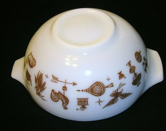 Vintage Pyrex Early American Cinderella Mixing Bowl