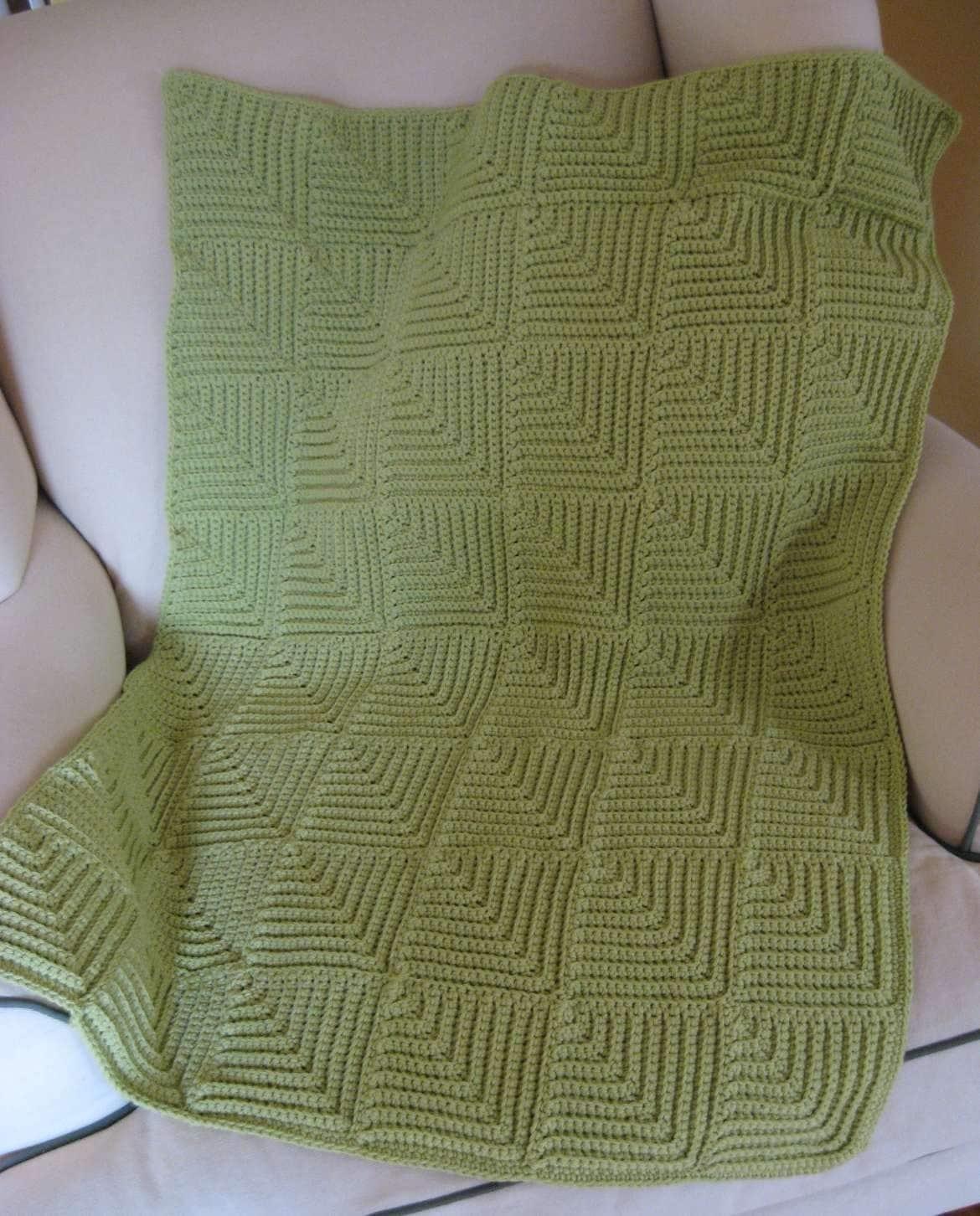 Domino Knitting Blanket Pattern : Mitered Squares Crocheted Baby Blanket