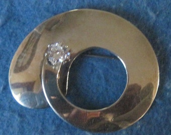 Vintage Sterling Silver Large Circle And Rhinestone Brooch