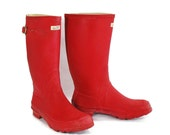 RESERVED - Snowball Fight Club: Red Team.  Vintage L L Bean Rain Boots. Year-round Standbys. - Women's size 10 - FREE SHIPPING