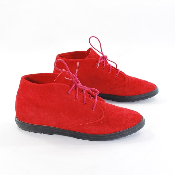Chukka Sneaks: Vintage Keds Ankle Boots. Sweet & Simple Red Suede sneaker Booties. Lace up Walking Shoes in Strawberry - Womens size 8