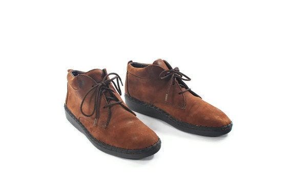 Granny in the City. Long Walk Worthy Ankle Booties by Dexter. Hella soft Chocolate Brown Leather. Urban Tuff 80s Shoes - Women's size 6
