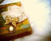 SALE Vintage Gold Lace Pin
