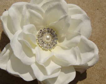 Classic Ivory Hair Flower with pearl and rhinestone / bridal ivory flower hair clip / Luscious gardenia hair pin / PERLA I