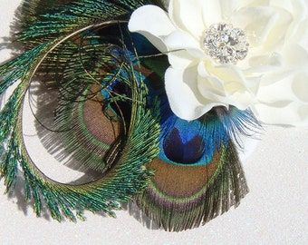 Peacock Wedding / Dramatic bridal peacock feather fascinator / ivory hair flower clip bridal flower bridal peacock