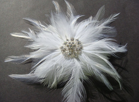 Bridal White Feather Flower with sparkling vintage style rhinestone centerpiece / white feather fascinator / feather clip and brooch pin