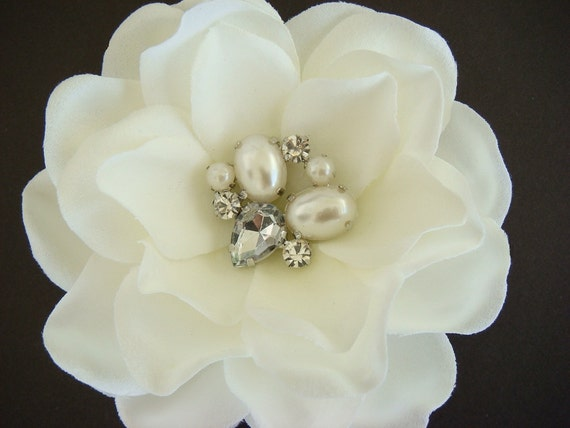 CUSTOM Romantic Bridal ivory hair flower with vintage jewelry center / pearl and rhinestone centerpiece / wedding  ivory flower hair clip