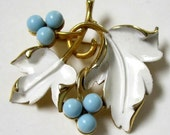 Vintage Signed Sarah Coventry White Enameled Leaves Brooch Pin
