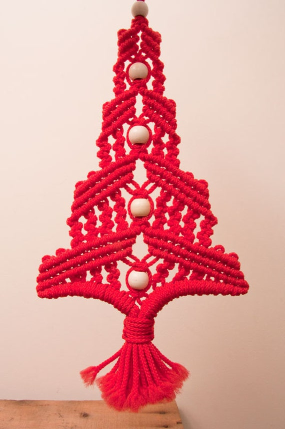 macrame red christmas tree holiday wall hanging fiber art with. Black Bedroom Furniture Sets. Home Design Ideas