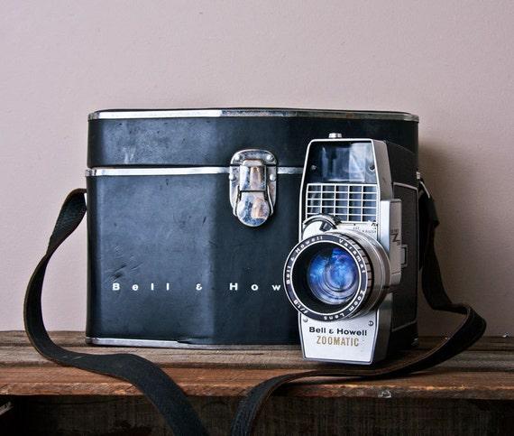Vintage Movie Camera Bell & Howell Director Series Original box Case Manual Nice Electric Eye