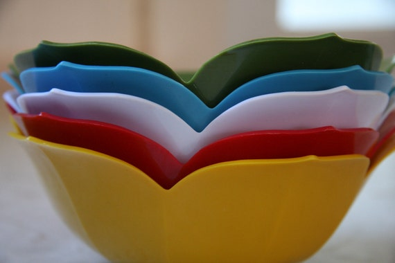 Lotus Bowls Japan Vintage Primary Colors red green yellow white aqua turquoise summer entertaining set CIJ christmasinjuly
