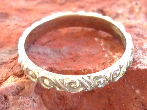 Antique 14k White Gold Baby Band RIng Etched Criss cross Motif Charm