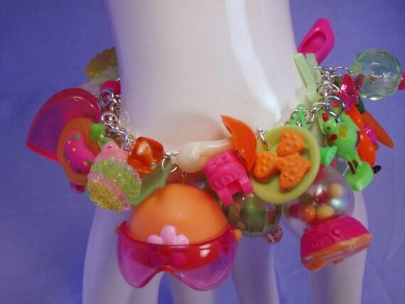 Nitro Fizz Toy Box Charm Bracelet