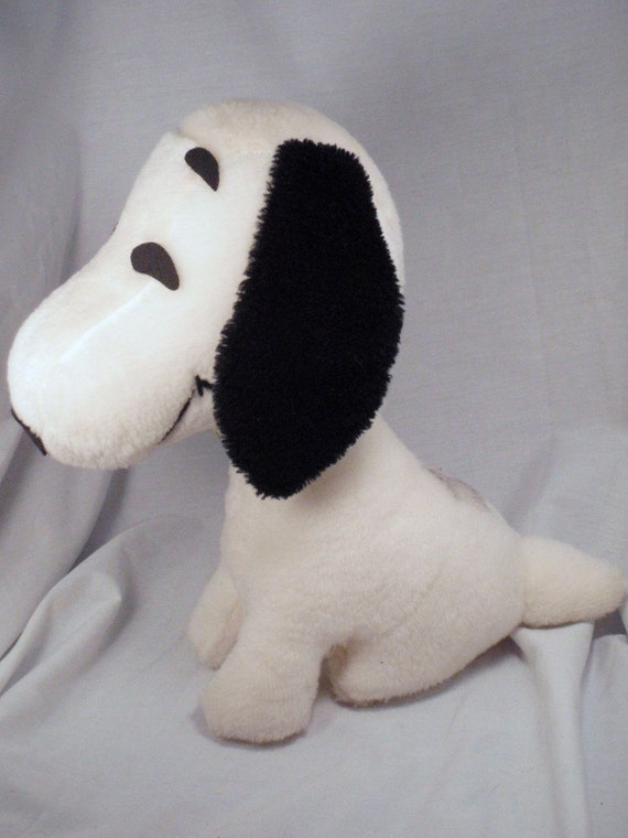 LAST CHANCE Vintage 60s 11 inch Plush Snoopy Peanuts Puppy