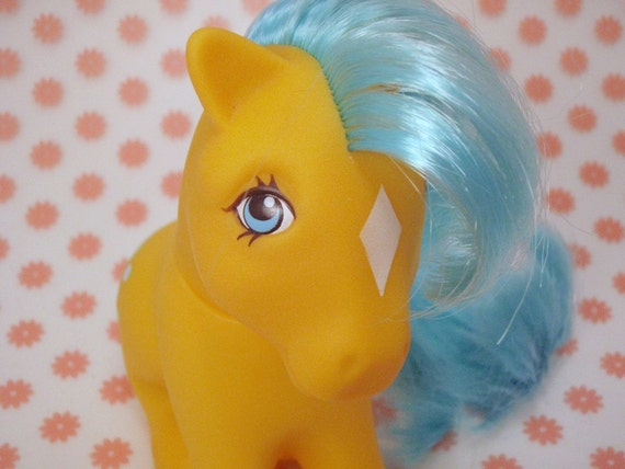 My Little Pony Earth Ponies Bubbles G1 Yellow and Blue MLP