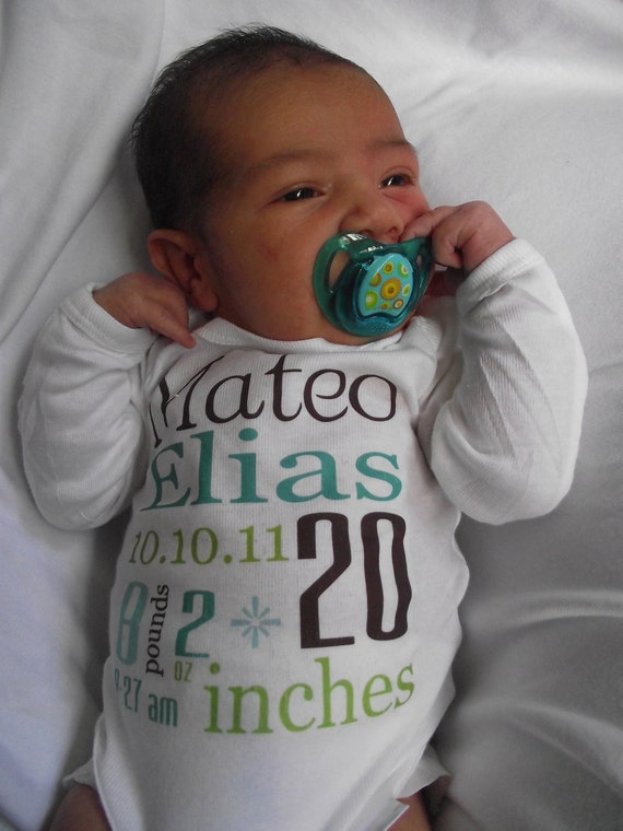 Birth Announcement  Baby Shirt Personalized Newborn, 0-3, 3-9 Month Size Choose any Color Writing Birth Announcement Baby Shirt Bodysuit
