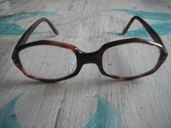 Sale----- Was 38usd NOW only 28usd ----Gorgeous Design RETRO, vintage, funky 50s Tortoise A e s a model  Glasses, eyewear, lunnetes