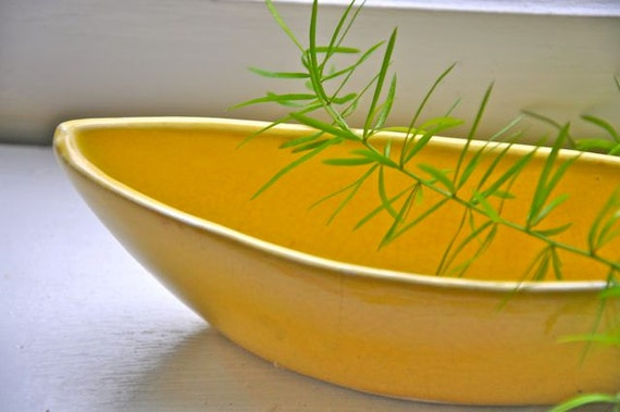 Yellow Leaf Modern Boat Bowl Vase Planter
